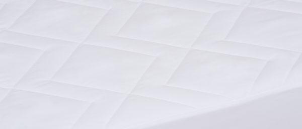 Cubrecolchón-Basic-Impermeable detalle-cubrecolchon-Tejidos-Jimenez-tienda-online-Donostia-San-Sebastian